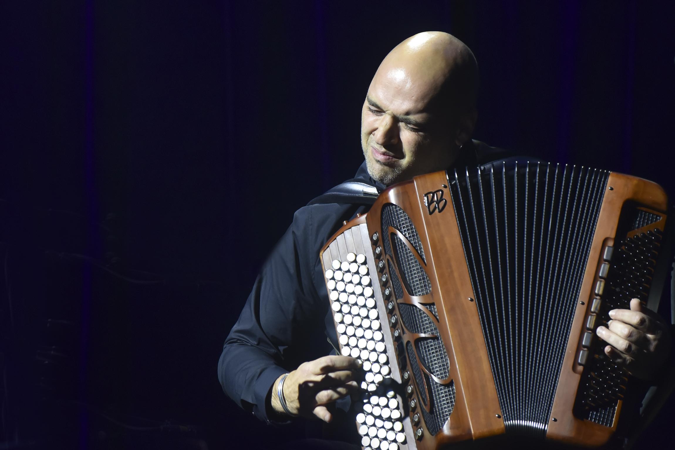 lionel suarez accordeon portrait concert en hommage à Yvette Honer, pavillon Baltard-Nogent Sur-Marne- 5 octobre 2019 | ©SophieLeRoux